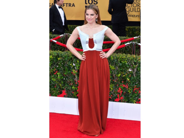 Anna Chlumsky: Escada No se ni qué decir! Pésima combinación! I don't even know what to say! This is awful!