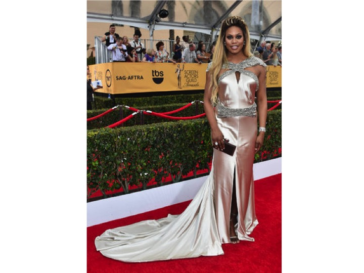 Laverne Cox: Johanna Johnson & Forevermark   Laverne Cox está viviendo su mejor momento, ha tenido buenos looks en la alfombra roja en durante los últimos eventos, pero este vestido  no le queda bien y la tela luce muy poco fina.  Laverne Cox is going through a great moment in her career. She's been having great red carpet moments lately, but this time her gown wasn't her size and the fabric looked very cheap.
