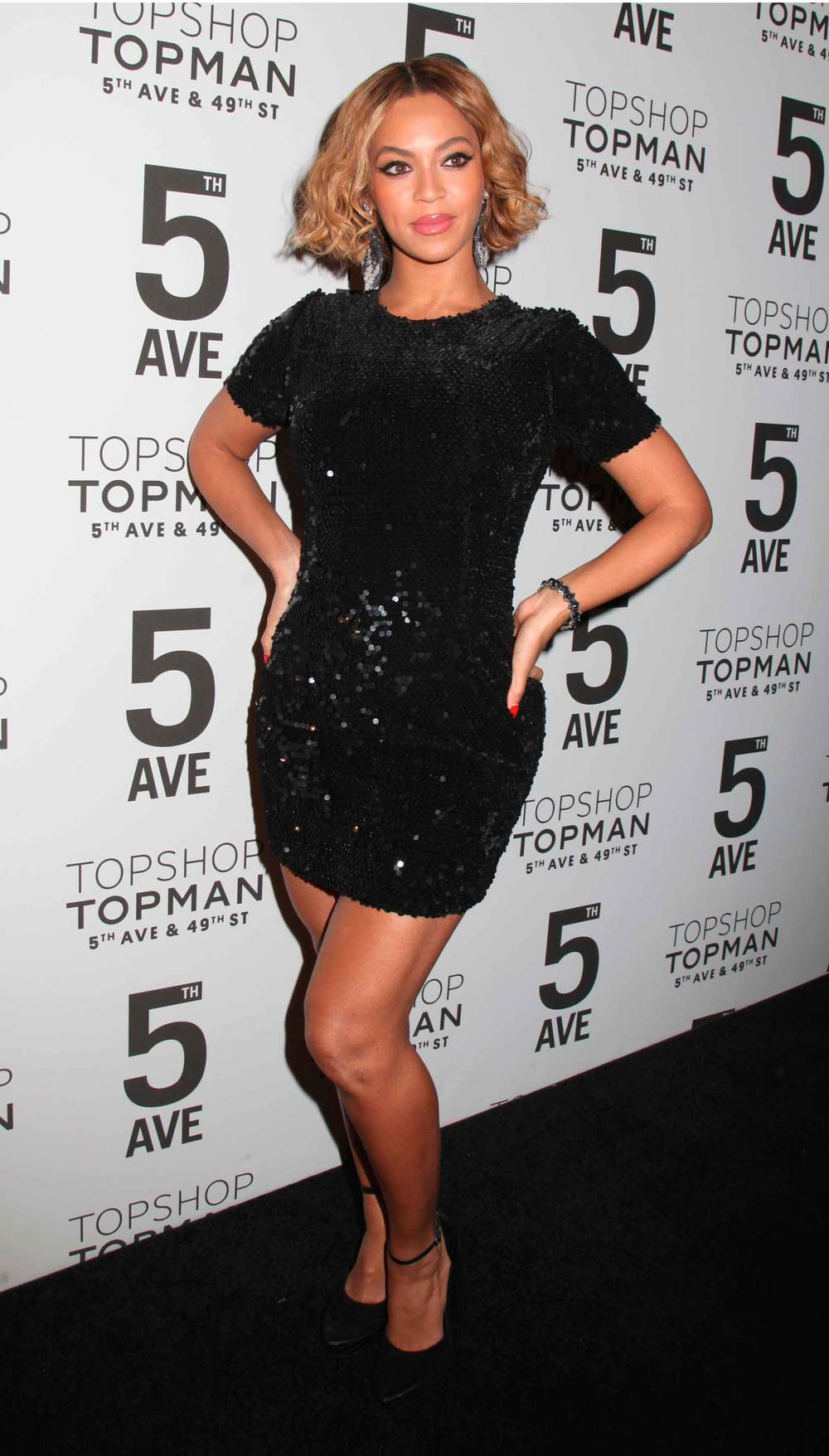beyonce-wearing-topshop-topshop-flagship-store-opening,-new-york,-november-2014-rex.jpg