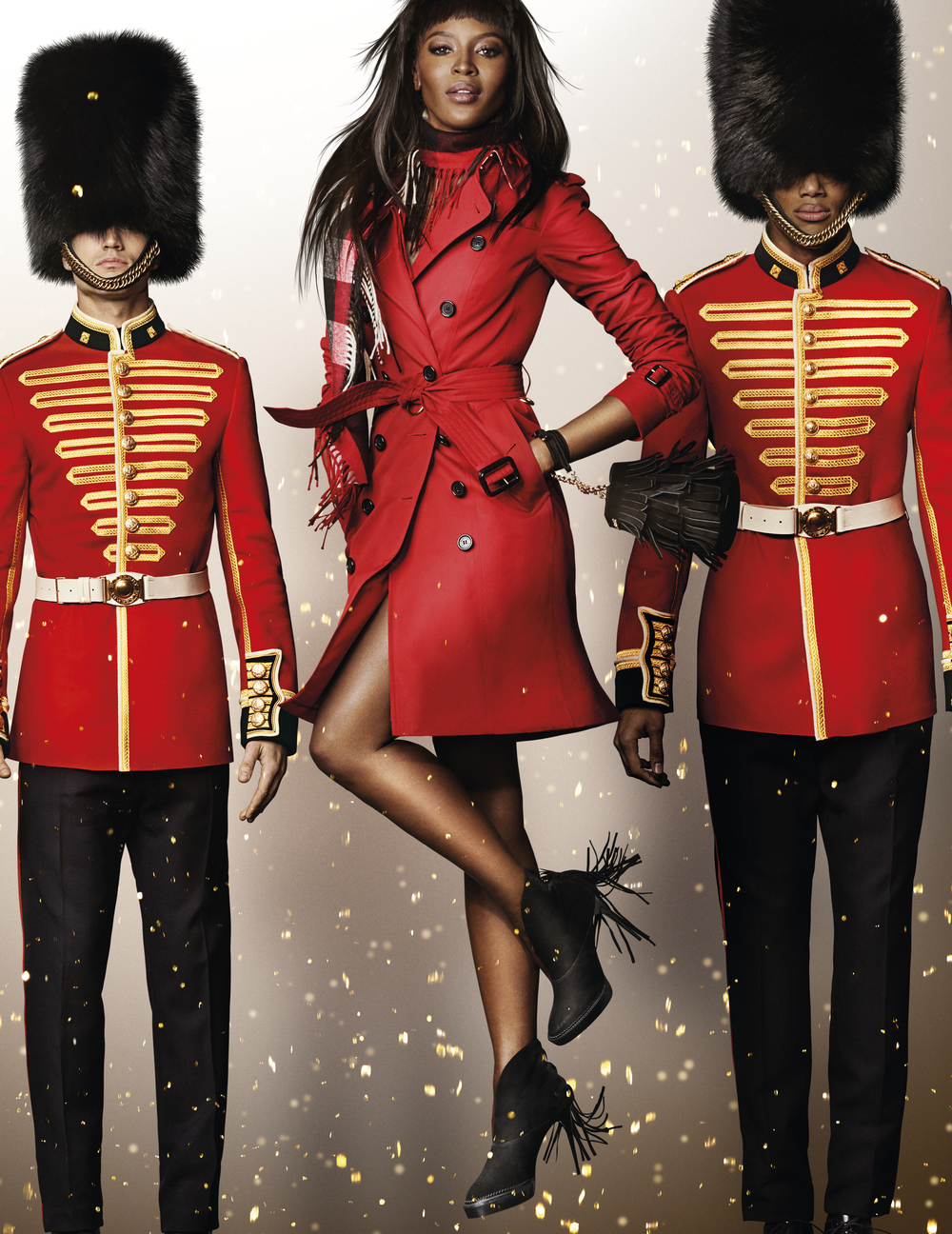 Naomi-Campbell-in-the-Burberry-Festive-Campaign-shot-by-Mario-Testino.jpg