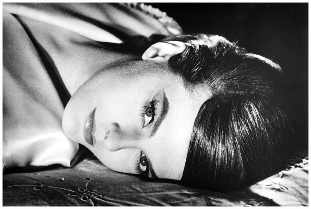 delphine-seyrig-1962-alain-resnais_s-e2809clast-year-at-marienbade2809d.jpg