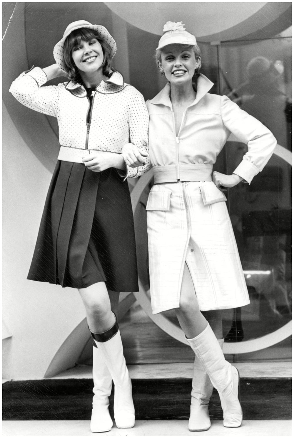 fashion-women-wear-1972-courreges-vogue-b.jpg
