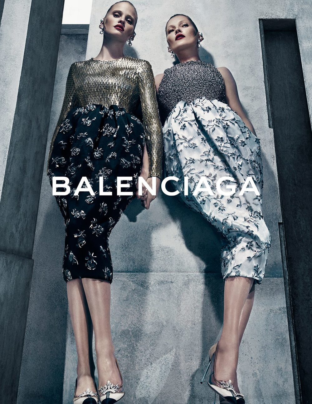kate-moss-lara-stone-by-steven-klein-for-balenciaga-fall-winter-2015-2016-1.jpg
