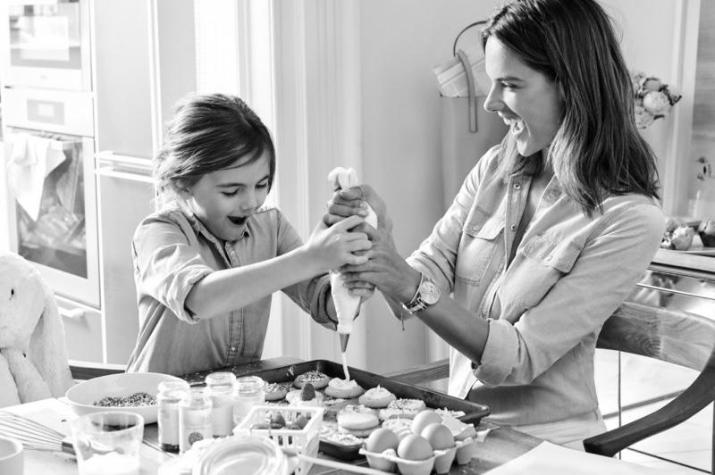 Alessandra-Ambrosio-Michael-Kors-Mothers-Day-2016-Campaign03.jpg
