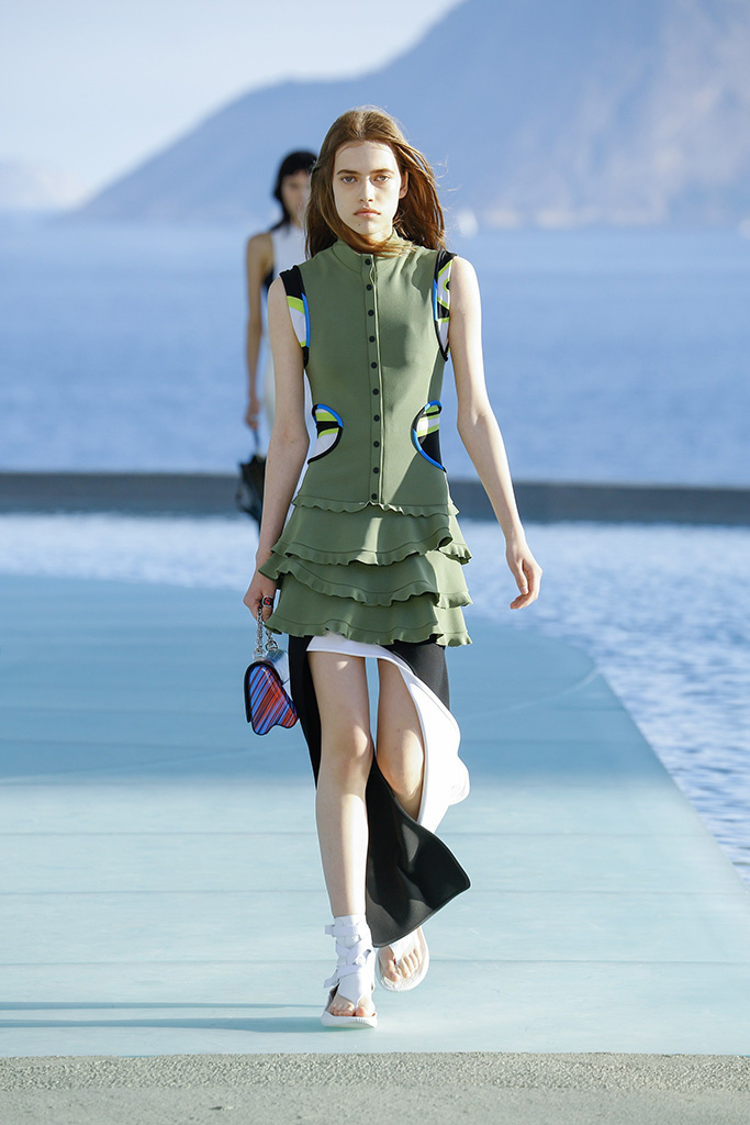 louis_vuitton_pasarela_978032949_683x.jpg