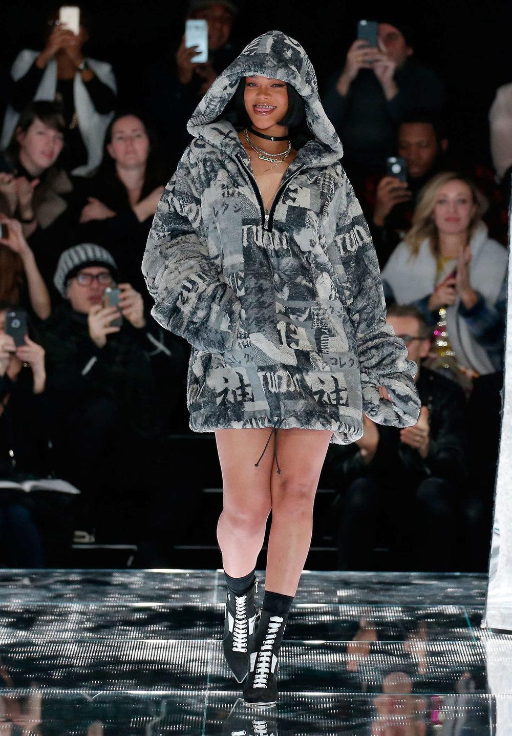 Rihanna--FENTY-x-PUMA-by-Rihanna-Fashion-Show-2016--19.jpg