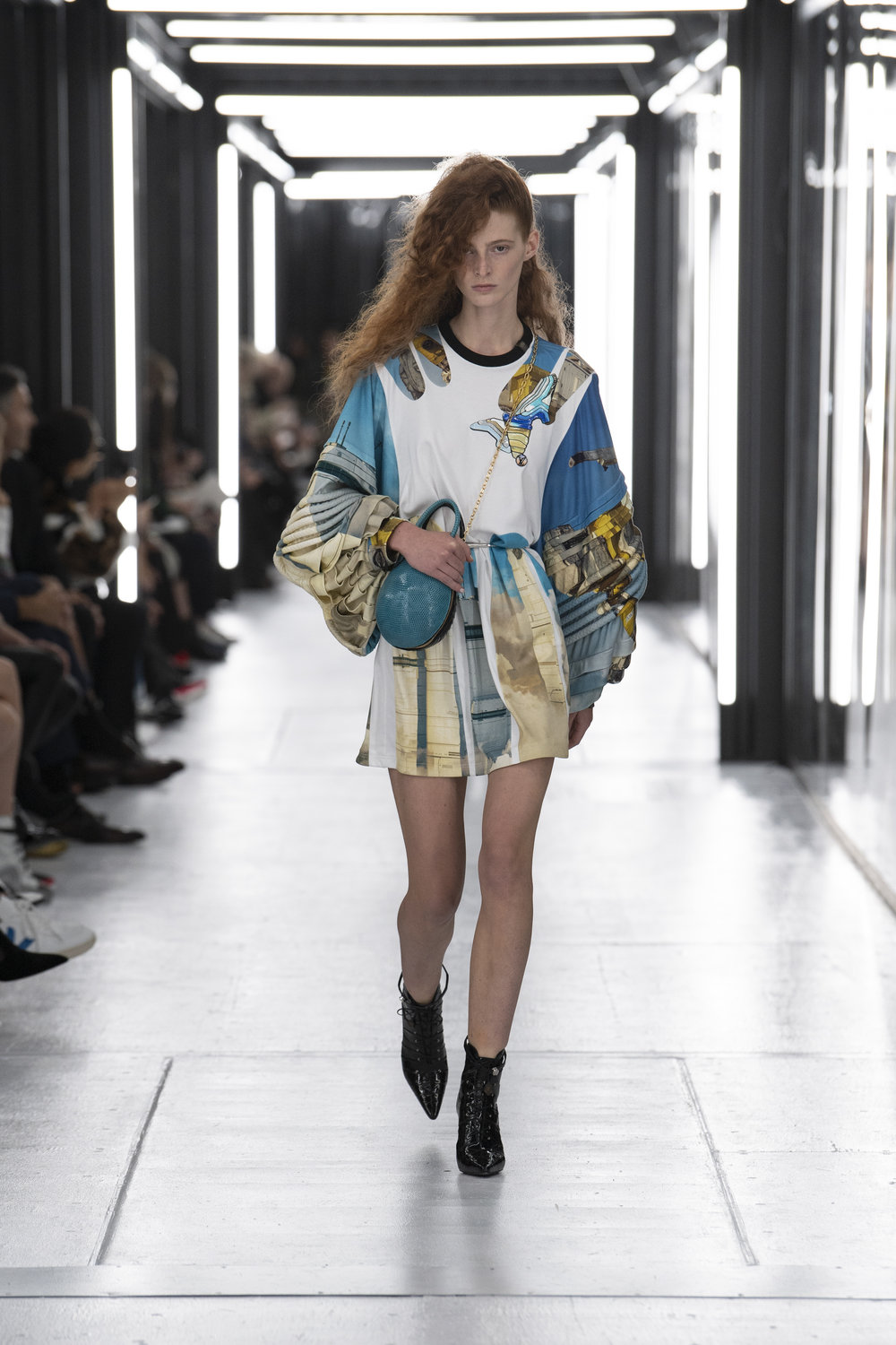 Louis_Vuitton_SS19_Look_02.jpg