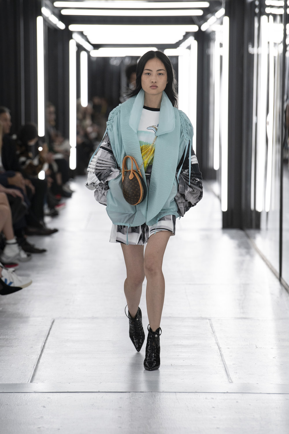 Louis_Vuitton_SS19_Look_06.jpg