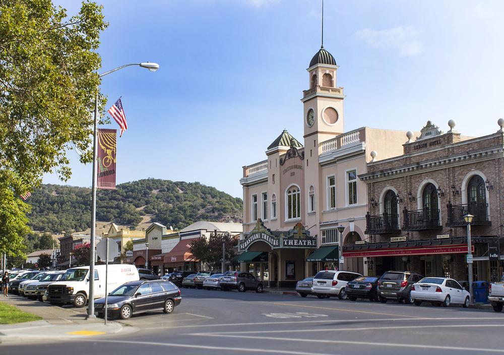 Sonoma Plaza, Sebastiani Theatre (center)