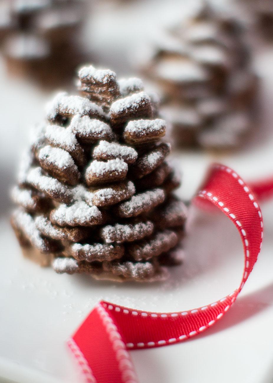 Snowy Nutella Pinecones