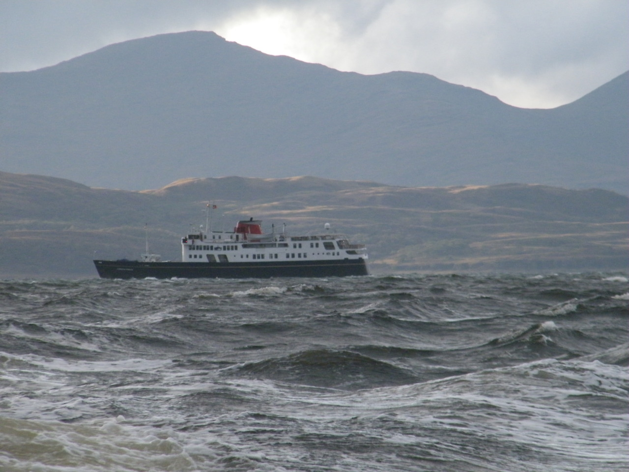 Hebridean Princess heading SW