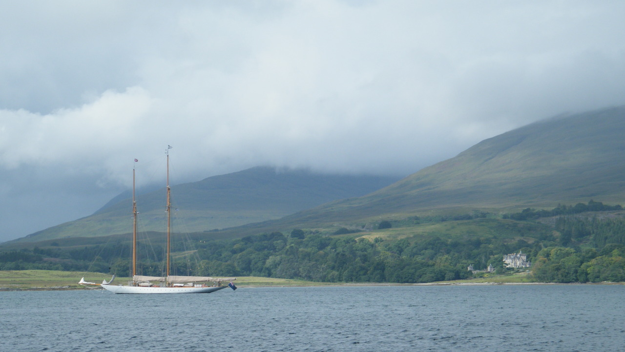 Classic yacht in Duart Bay