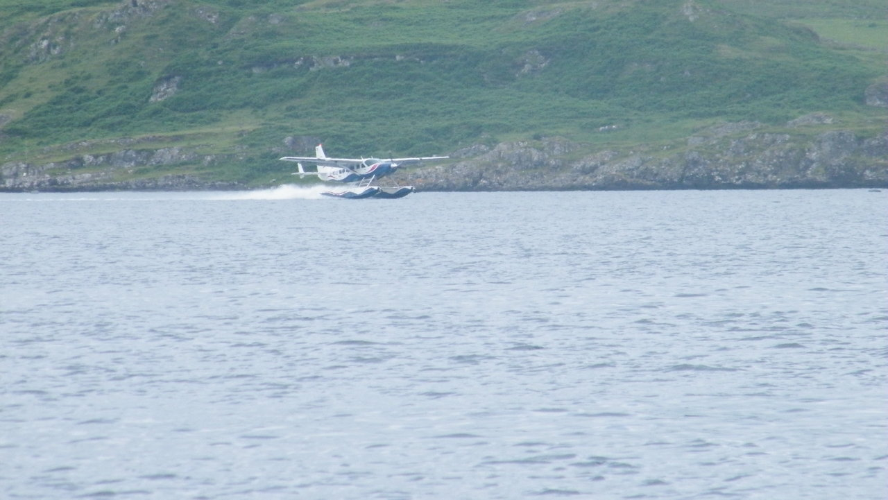 Seaplane coming into Oban Bay