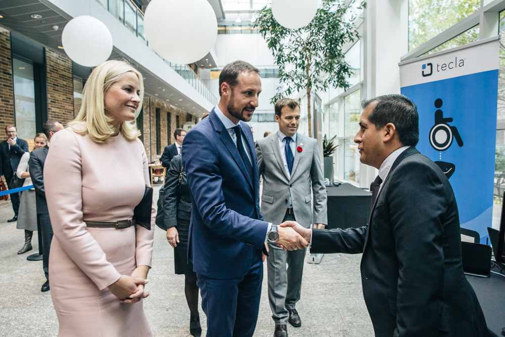 The Royal Couple meet the representatives of start-up Tecla, MaRS Discovery District. (Photo: Connie Tsang)