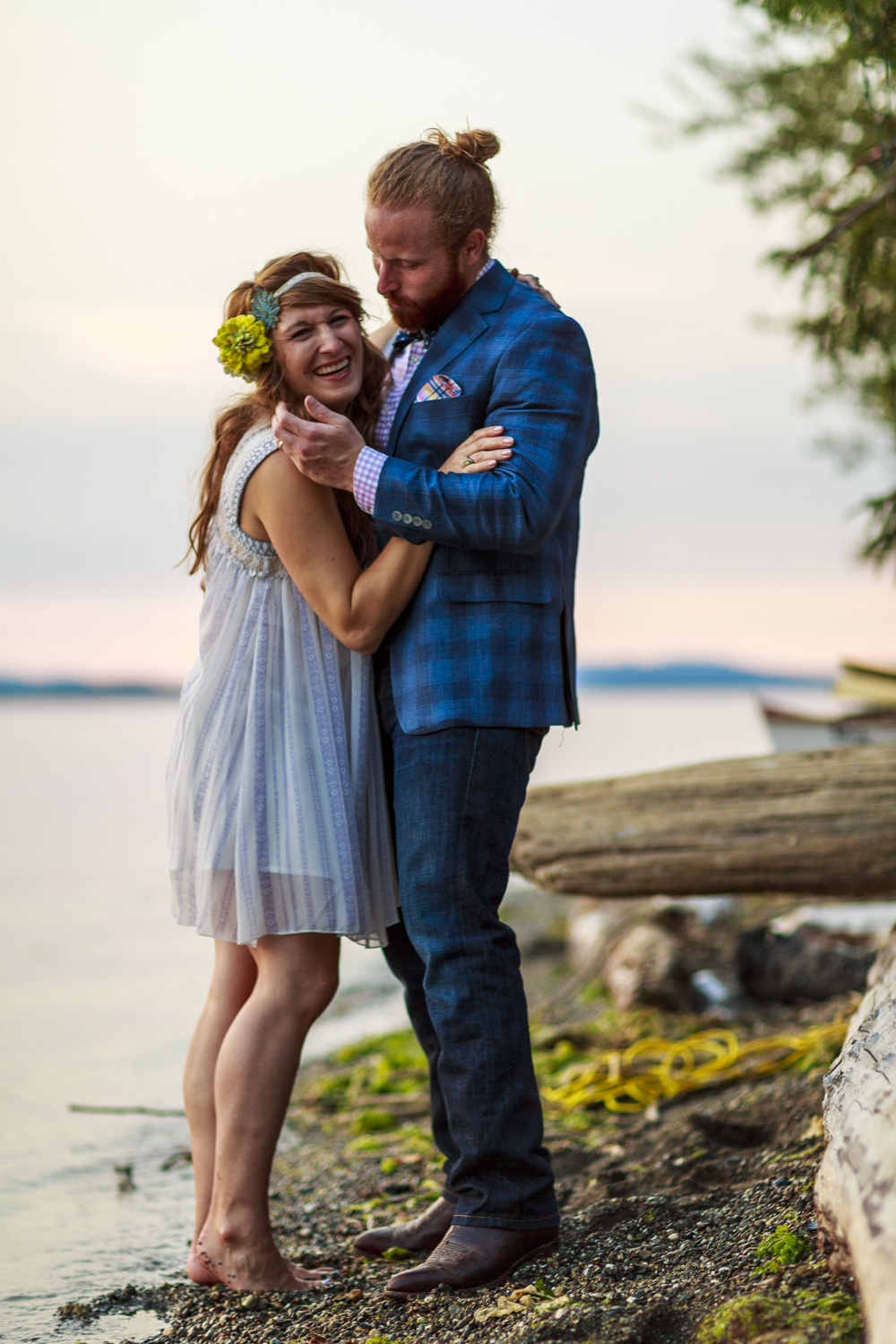 seattle_tacoma_pnw_photographer_beachwedding_seattlephotographer_weddingphotography_modernweddings_beautifulbride_seattlebride_bellevuebride_pnwbride_washington_engagment_photoshoot-36.jpg