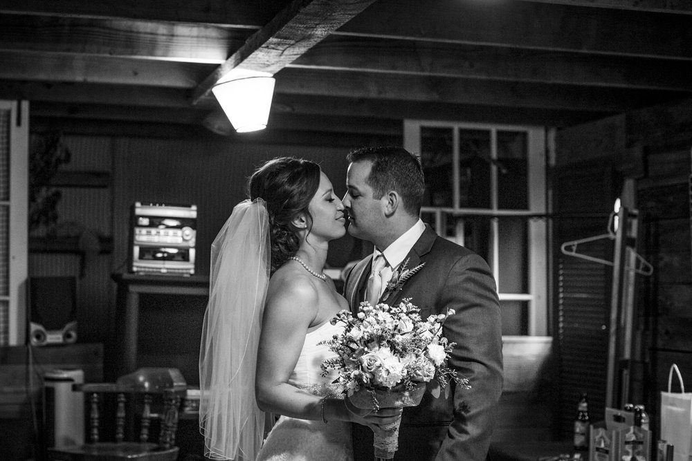 snohomish_seattle_tacoma_pnw_photographer_remotewedding_photographer_weddingphotography_modernweddings_beautifulbride_seattlebride_bellevuebride_pnwbride_washington_military_photoshoot-40.jpg