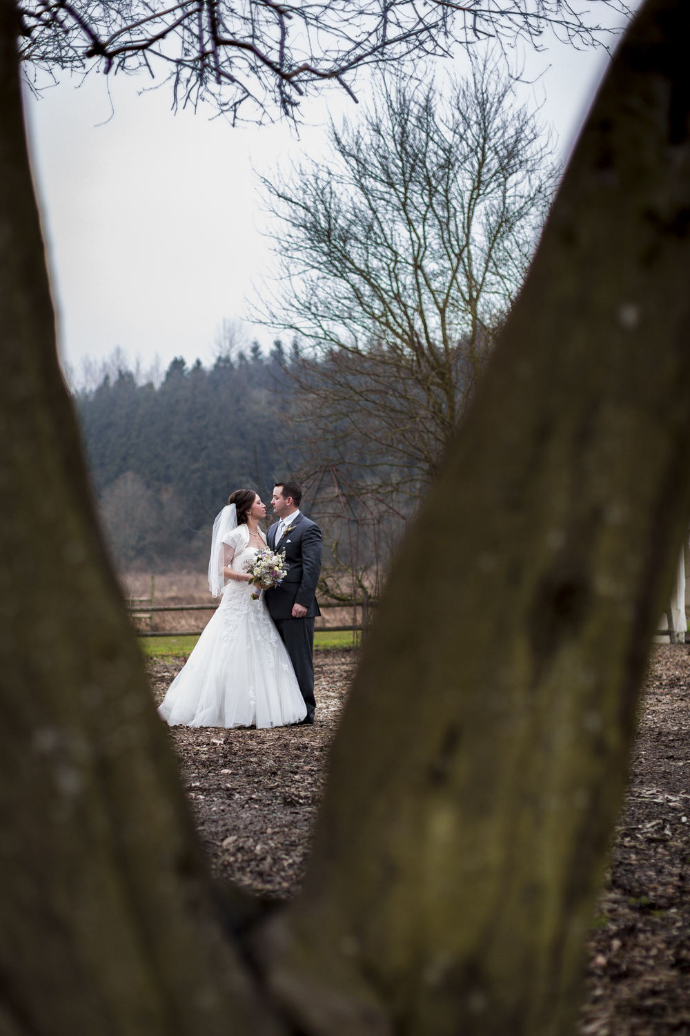snohomish_seattle_tacoma_pnw_photographer_remotewedding_photographer_weddingphotography_modernweddings_beautifulbride_seattlebride_bellevuebride_pnwbride_washington_military_photoshoot-48.jpg