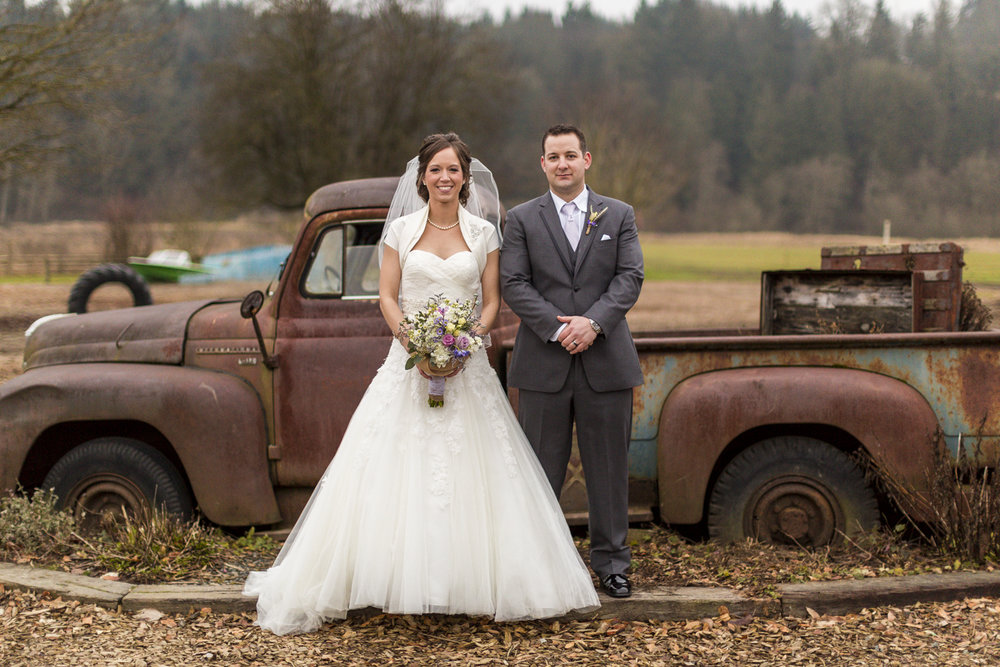 snohomish_seattle_tacoma_pnw_photographer_remotewedding_photographer_weddingphotography_modernweddings_beautifulbride_seattlebride_bellevuebride_pnwbride_washington_military_photoshoot-49.jpg