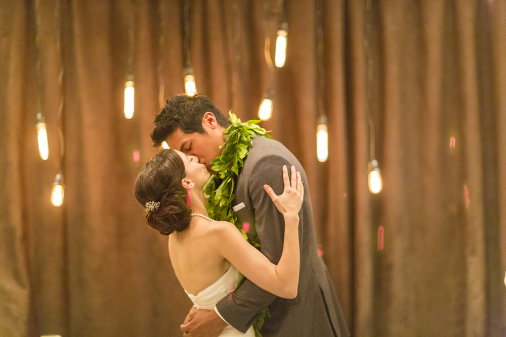 motifhotel_seattle_tacoma_pnw_photographer_wedding_photographer_weddingphotography_modernweddings_beautifulbride_seattlebride_bellevuebride_pnwbride_washington_hawaiianweddings-36.jpg