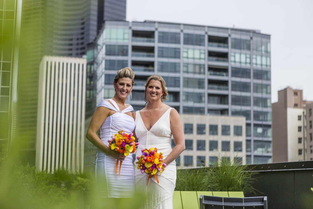 lesbian_seattle_gay_pnw_photographer_wedding_photographer_weddingphotography_modernweddings_beautifulbride_seattlebride_bellevuebride_pnwbride_washington_gayweddings-19.jpg