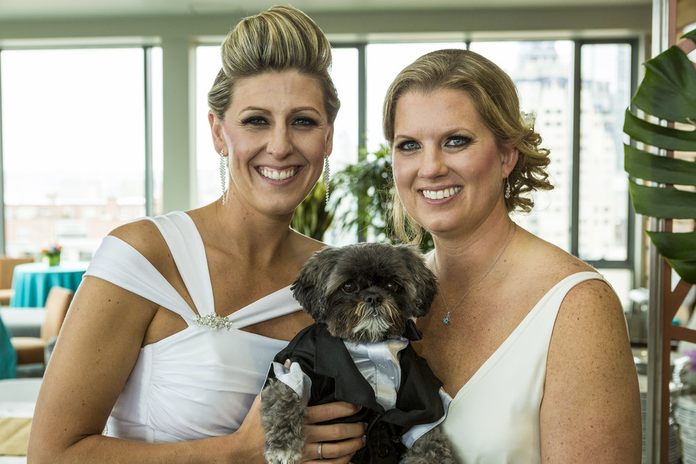 lesbian_seattle_gay_pnw_photographer_wedding_photographer_weddingphotography_modernweddings_beautifulbride_seattlebride_bellevuebride_pnwbride_washington_gayweddings-20.jpg