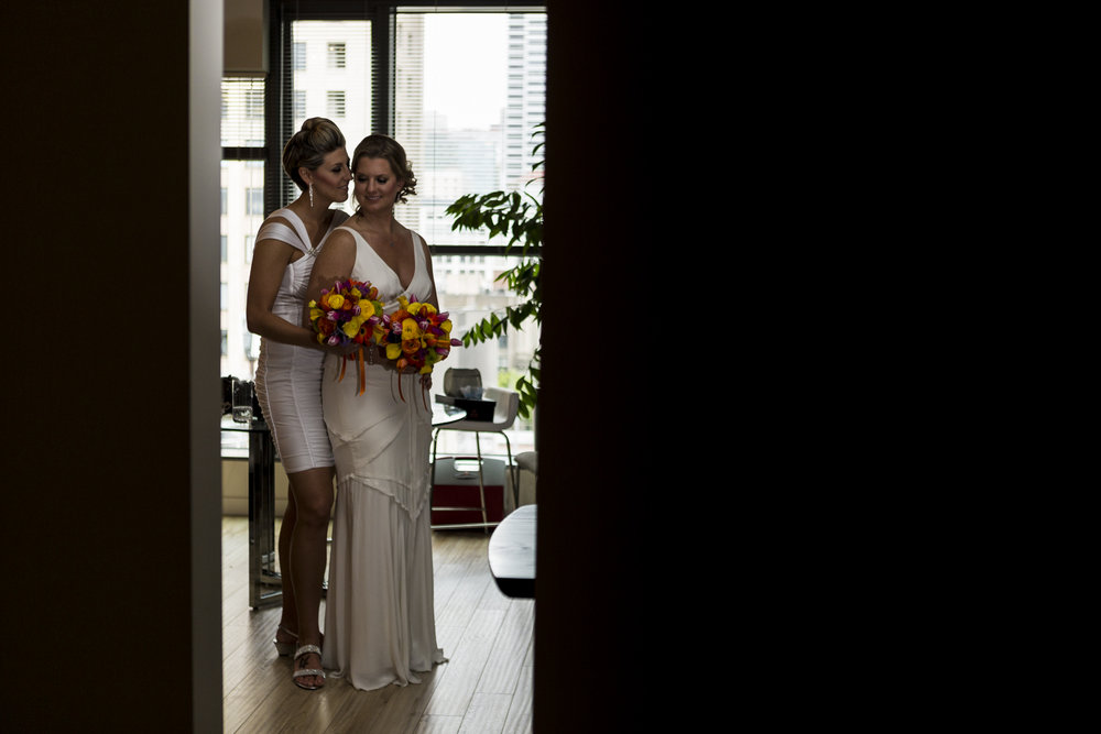 lesbian_seattle_gay_pnw_photographer_wedding_photographer_weddingphotography_modernweddings_beautifulbride_seattlebride_bellevuebride_pnwbride_washington_gayweddings-22.jpg