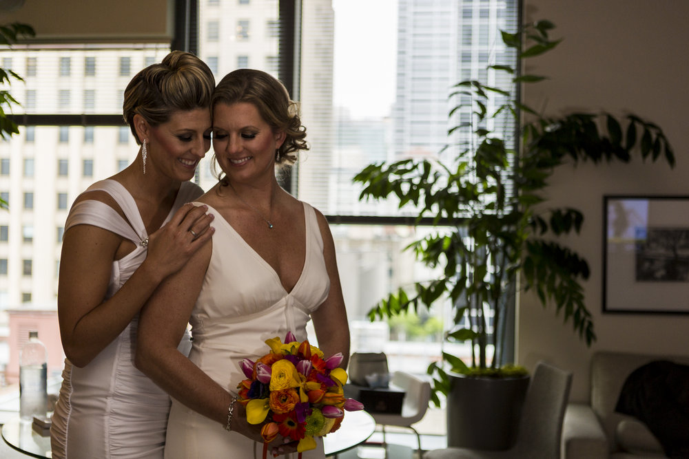 lesbian_seattle_gay_pnw_photographer_wedding_photographer_weddingphotography_modernweddings_beautifulbride_seattlebride_bellevuebride_pnwbride_washington_gayweddings-23.jpg