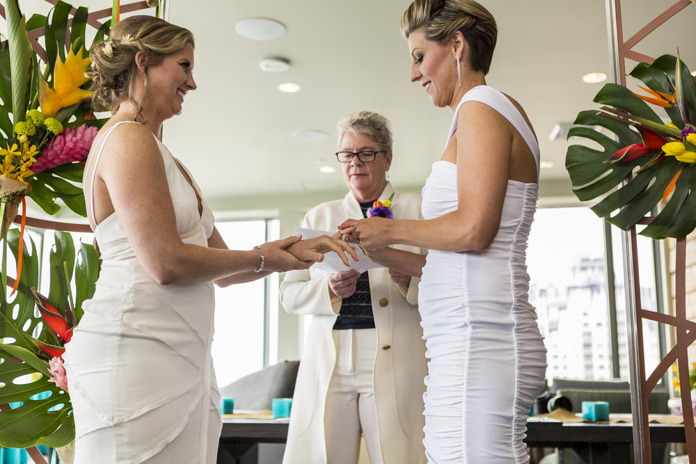 lesbian_seattle_gay_pnw_photographer_wedding_photographer_weddingphotography_modernweddings_beautifulbride_seattlebride_bellevuebride_pnwbride_washington_gayweddings-47.jpg