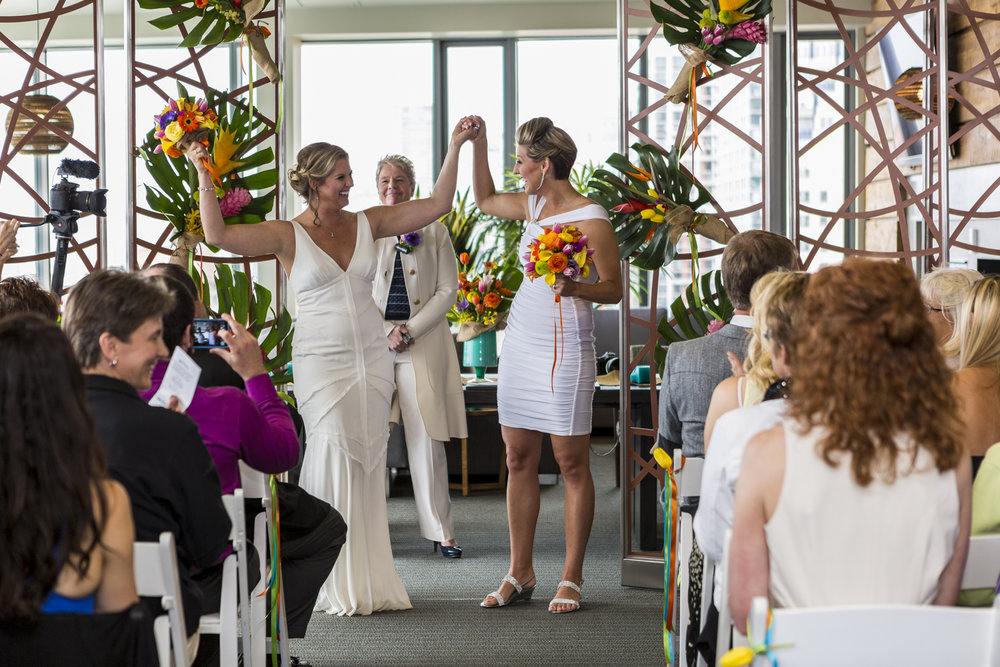 lesbian_seattle_gay_pnw_photographer_wedding_photographer_weddingphotography_modernweddings_beautifulbride_seattlebride_bellevuebride_pnwbride_washington_gayweddings-50.jpg
