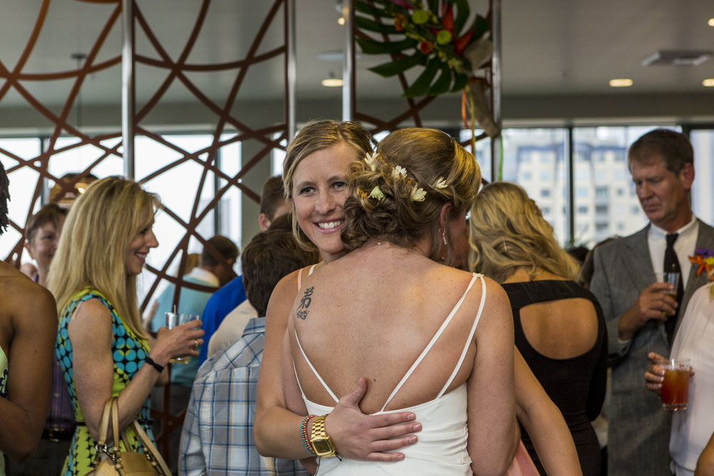 lesbian_seattle_gay_pnw_photographer_wedding_photographer_weddingphotography_modernweddings_beautifulbride_seattlebride_bellevuebride_pnwbride_washington_gayweddings-58.jpg