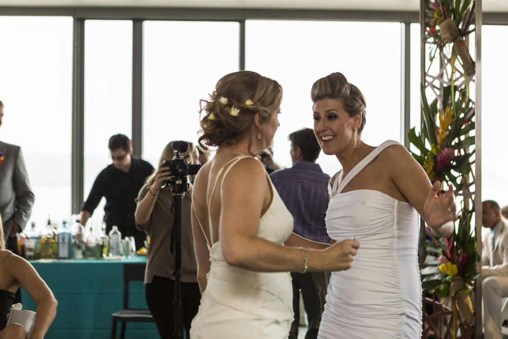 lesbian_seattle_gay_pnw_photographer_wedding_photographer_weddingphotography_modernweddings_beautifulbride_seattlebride_bellevuebride_pnwbride_washington_gayweddings-71.jpg