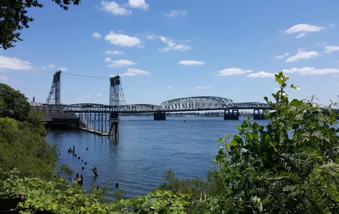 States still owe feds millions from failed bridge project - Oregon, Washington unsure where funding will come from, environmental research near expiration