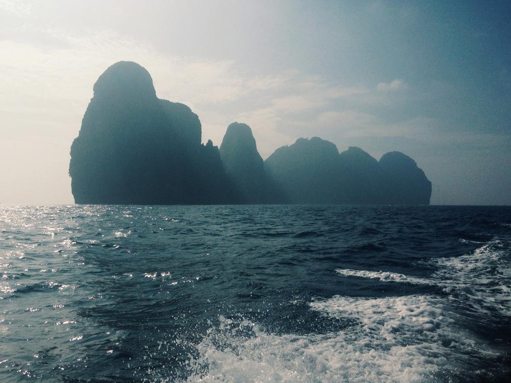 Maya bay.jpg