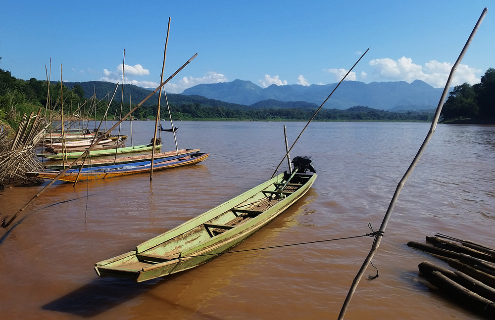 Laos Boat - The Exploress