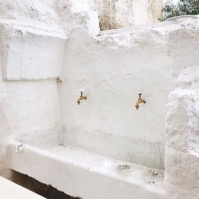 In preparation of our big European adventures next year (more info coming soon 😉) we came across this beautiful and peaceful place, @masseriamoroseta. It's a country house in Ostuni, Italy! The photos alone put us at ease, we can only imagine what it must feel like to wake up here. Perhaps we'll make a stop in Ostuni. How far south have you been in Italy? 📷: @masseriamoroseta #Exploress