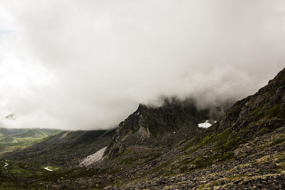 TaraShupe_Photography_Alaska_RockClimbing_HatchersPass_Travel_Photographer_Women_Adventure_016.jpg
