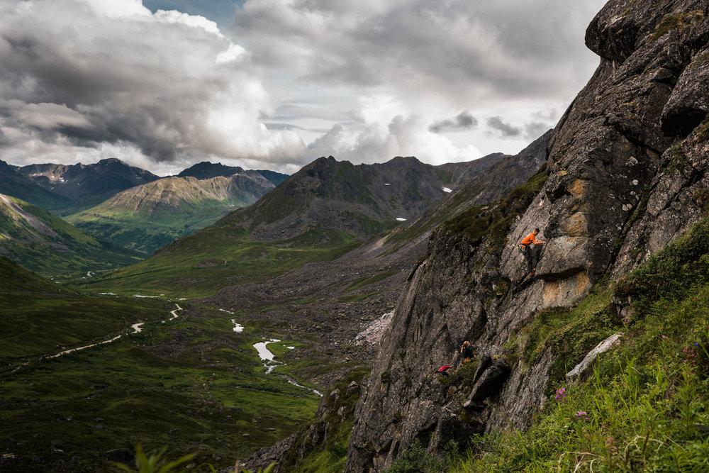 TaraShupe_Photography_Alaska_RockClimbing_HatchersPass_Travel_Photographer_Women_Adventure_043.jpg