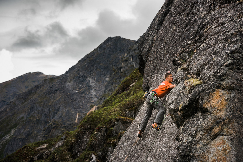 TaraShupe_Photography_Alaska_RockClimbing_HatchersPass_Travel_Photographer_Women_Adventure_047.jpg