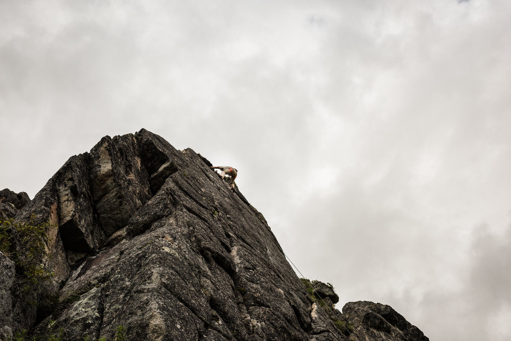 TaraShupe_Photography_Alaska_RockClimbing_HatchersPass_Travel_Photographer_Women_Adventure_040.jpg