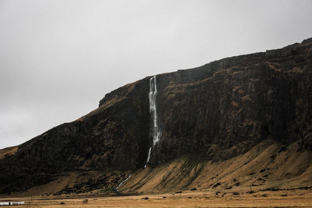 ICELAND_WOMAN_PHOTOGRAPHER_TARASHUPE_OUTDOOR_PHOTOGRAPHY_011.jpg