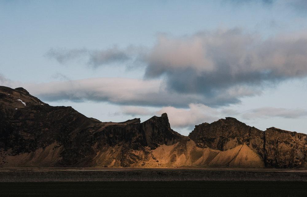 ICELAND_WOMAN_PHOTOGRAPHER_TARASHUPE_OUTDOOR_PHOTOGRAPHY_048.jpg