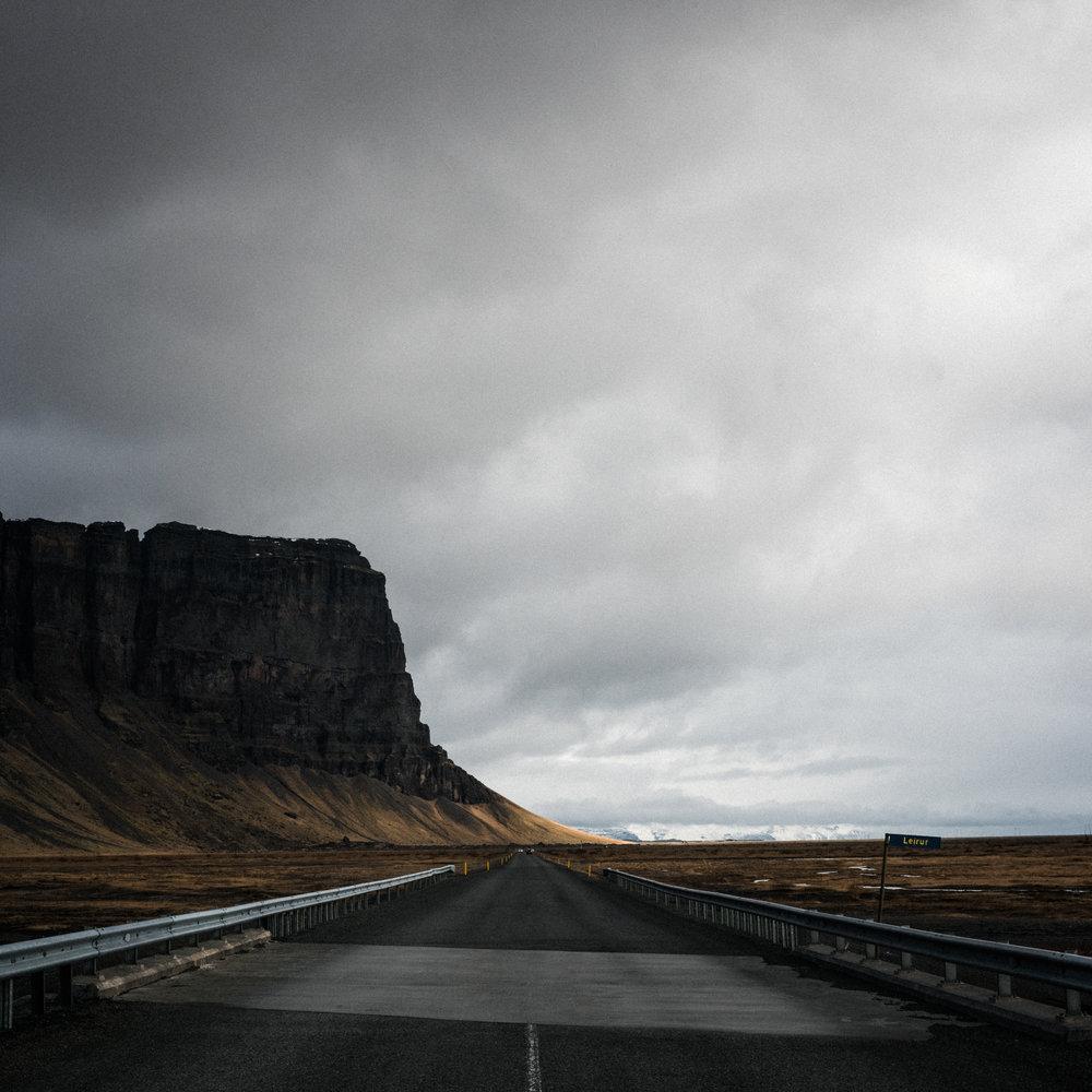 ICELAND_WOMAN_PHOTOGRAPHER_TARASHUPE_OUTDOOR_PHOTOGRAPHY_060.jpg
