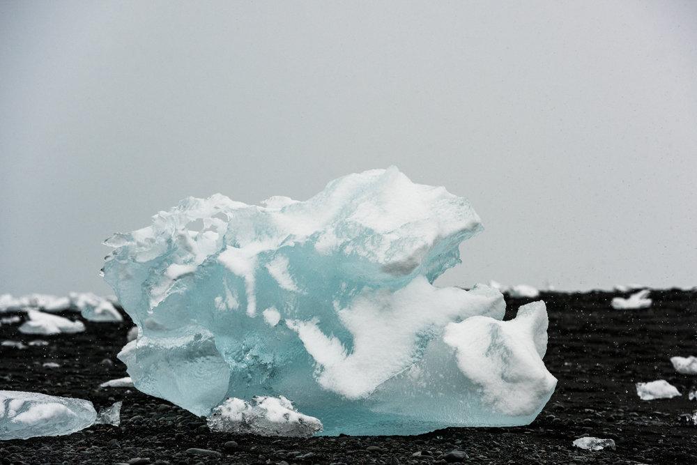 ICELAND_WOMAN_PHOTOGRAPHER_TARASHUPE_OUTDOOR_PHOTOGRAPHY_101.jpg