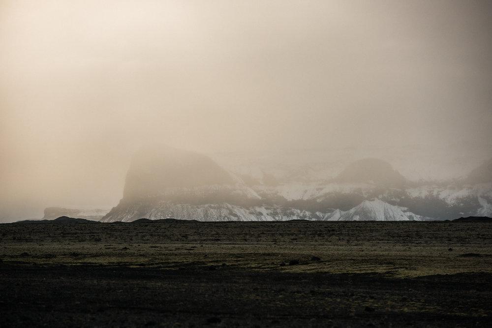 ICELAND_WOMAN_PHOTOGRAPHER_TARASHUPE_OUTDOOR_PHOTOGRAPHY_125.jpg