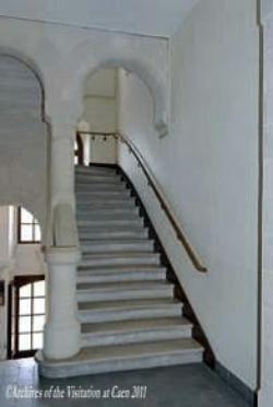 Vstaircase.jpg