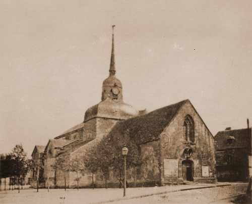 A postcard of the church of St. Pierre de Monsort, where Leonie was baptized