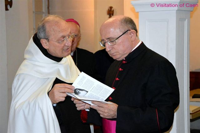 Father Antonio Sangalli, Leonie's postulator , with Msgr Ennio Apeciti of the historical commission.
