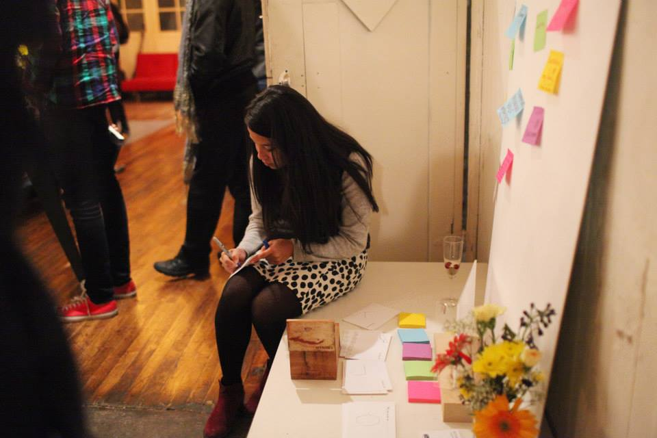 A Shine participant sending a thankyou card and interacting with Marissa's project.