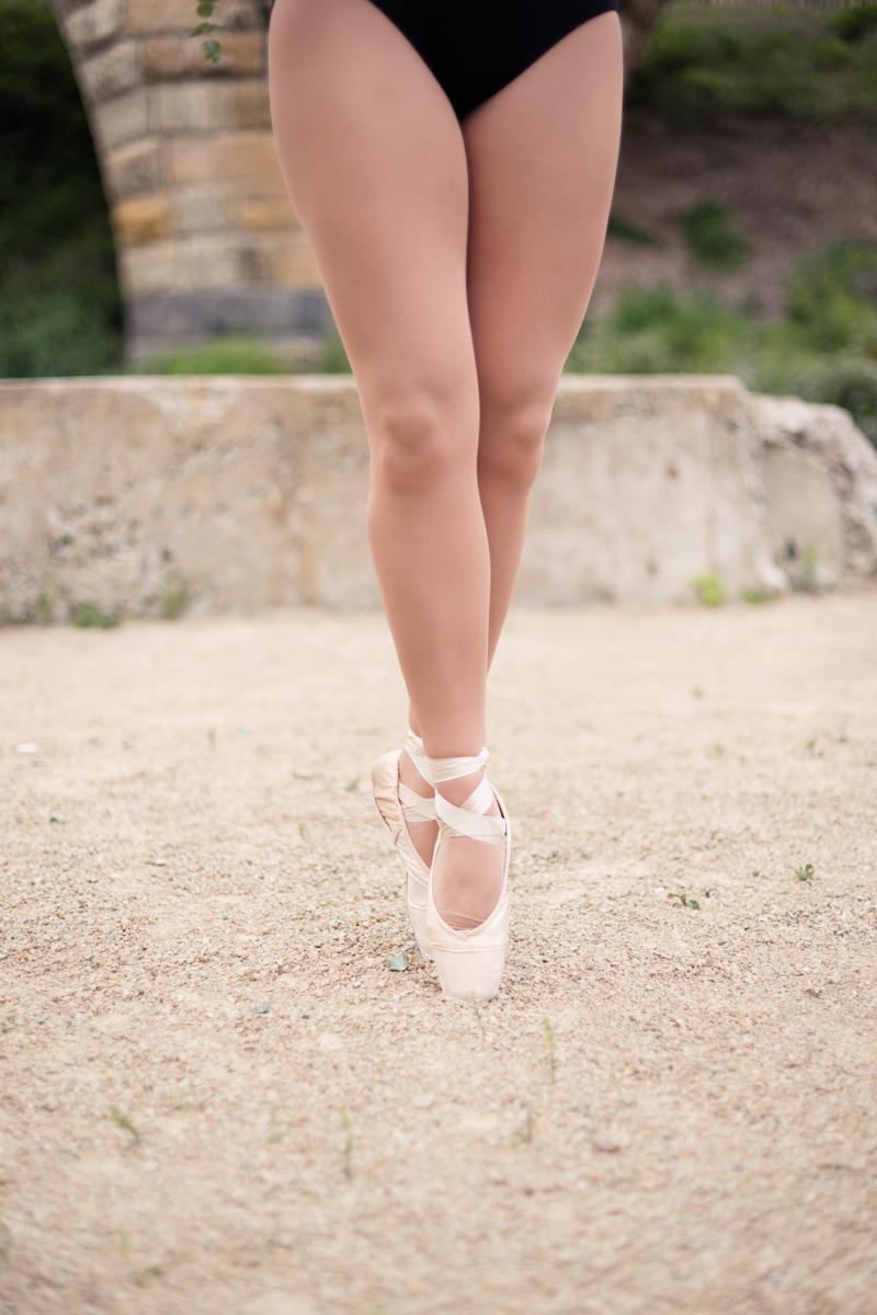 senior-pictures-ballerina