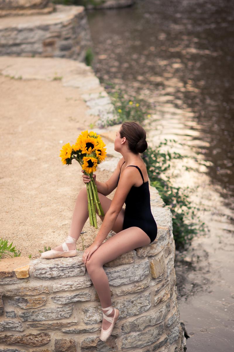 downtown-minneapolis-ballerina